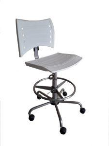 Cadeiras Ergonômicas – Estrutura em Aço Inox AISI 304, assento e encosto em Plástico de Engenharia